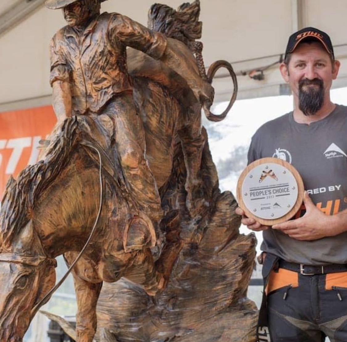 Champion chainsaw carver Rob Bast returns to the 2019 festival